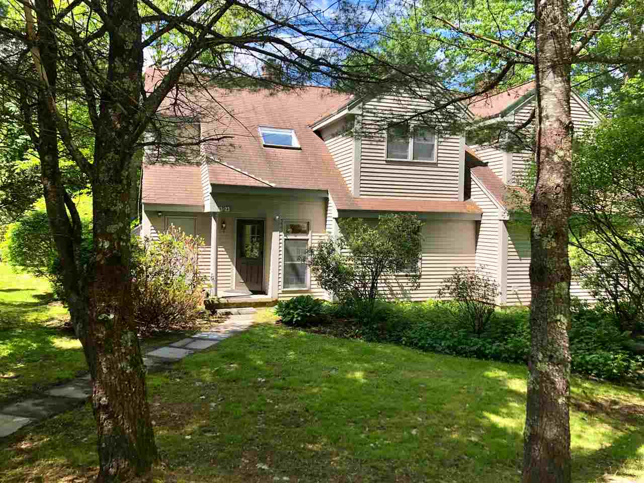 HOLDERNESS NH  Condo for sale $184,900