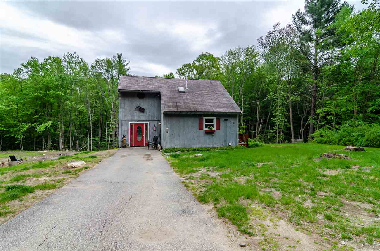 MLS 4761009: 4 Cunningham Drive, Derry NH