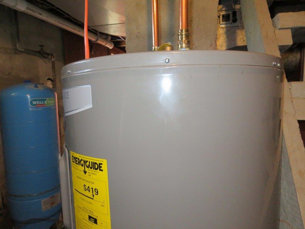 New Hot Water Tank 13929557