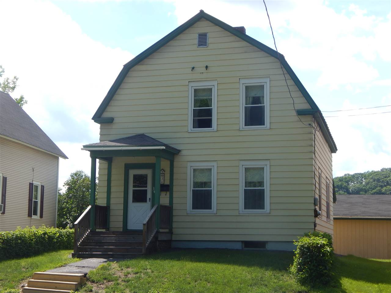 LEBANON NH Home for sale $$199,900 | $159 per sq.ft.