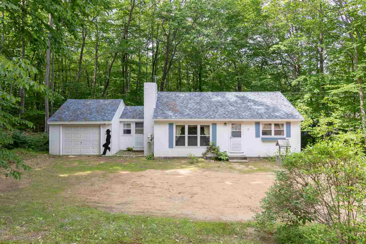 Photo of 17 Colonial Road Laconia NH 03246