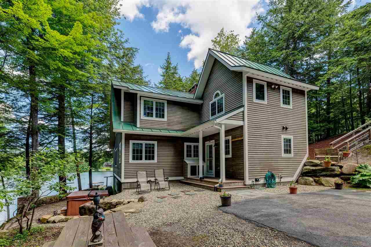 SUNAPEE NHLake House for sale $$1,200,000 | $575 per sq.ft.