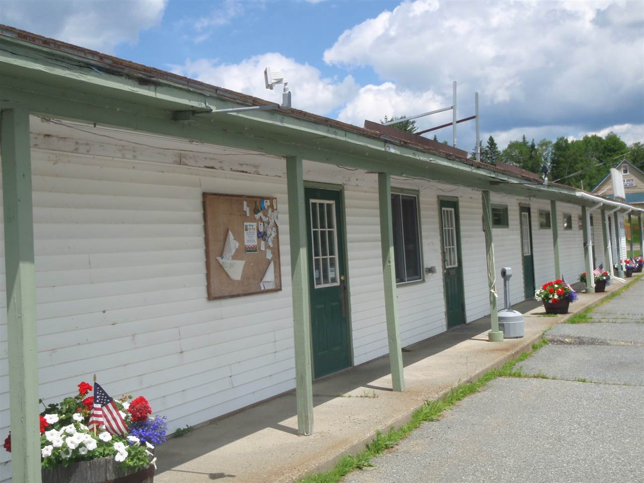 ENFIELD NH Commercial Property for sale $$219,000 | $39 per sq.ft.