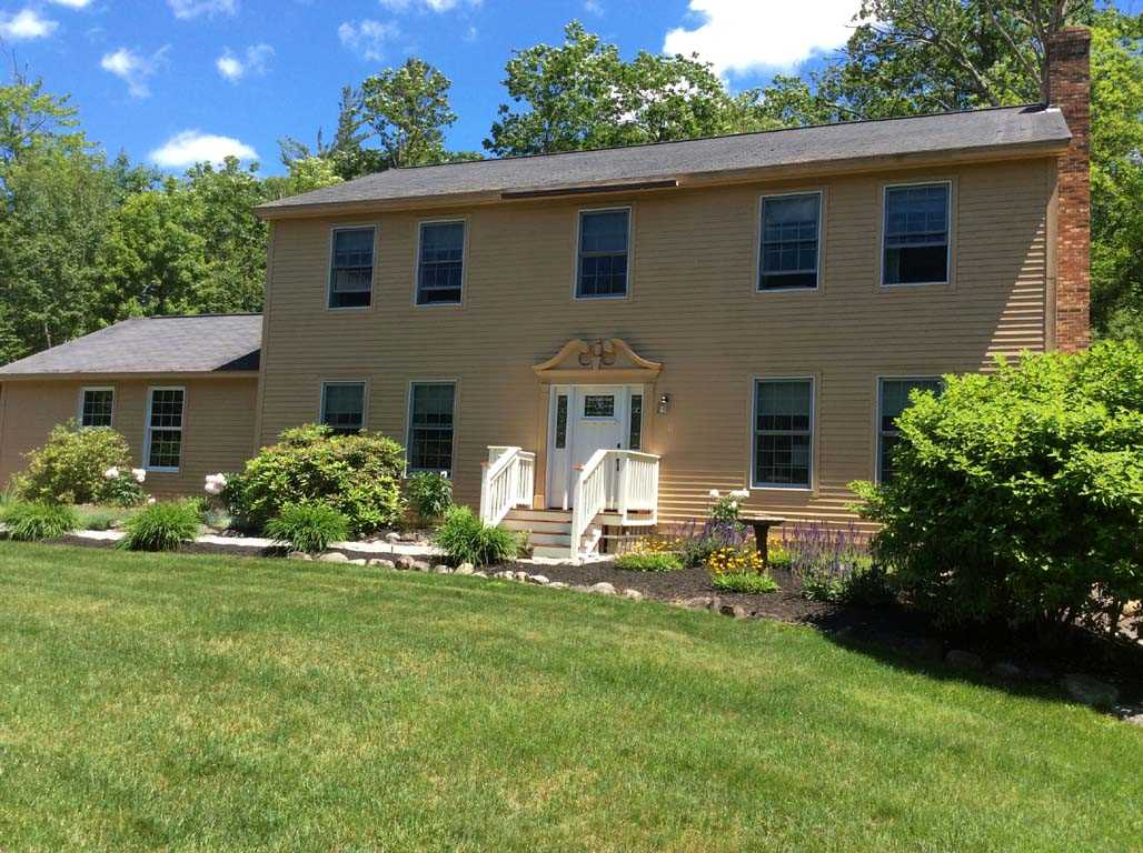 ALEXANDRIA NH  Home for sale $289,900