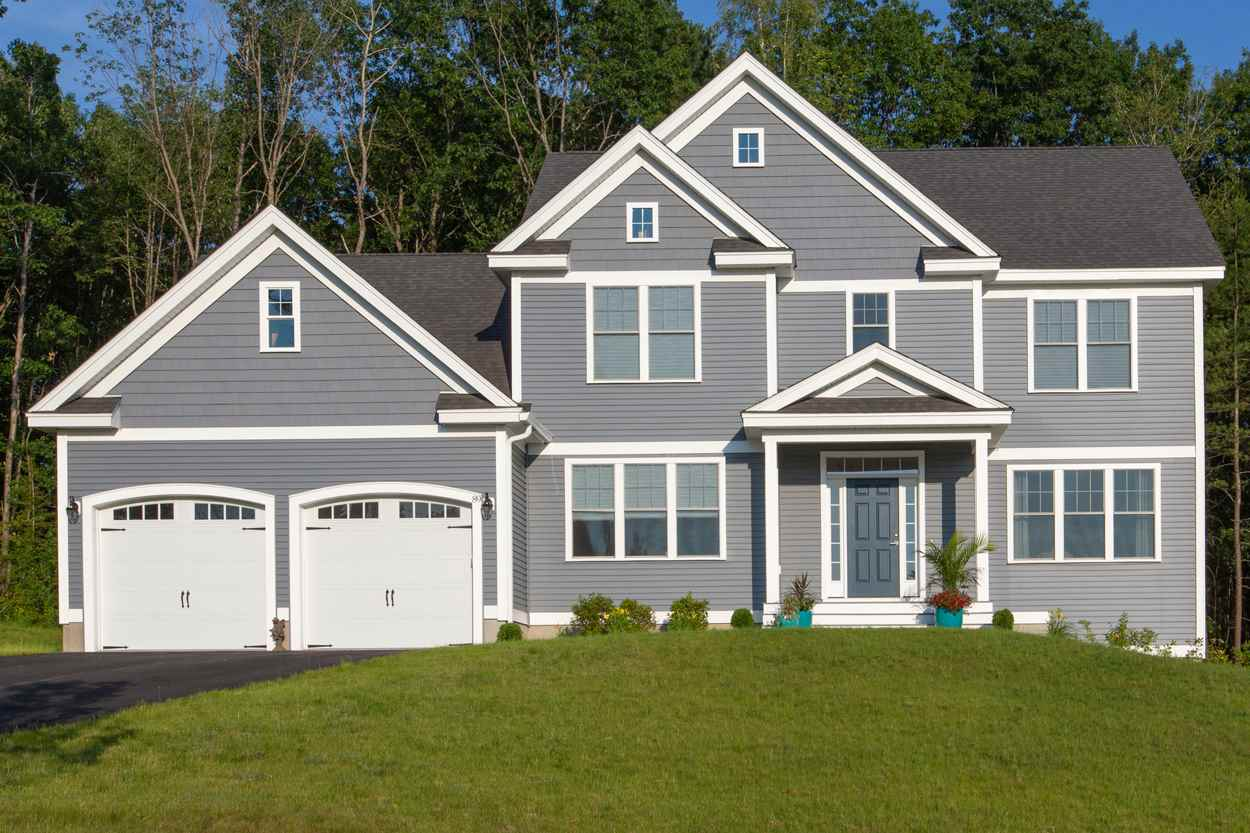 MANCHESTER NHHome for sale $$657,900 | $212 per sq.ft.