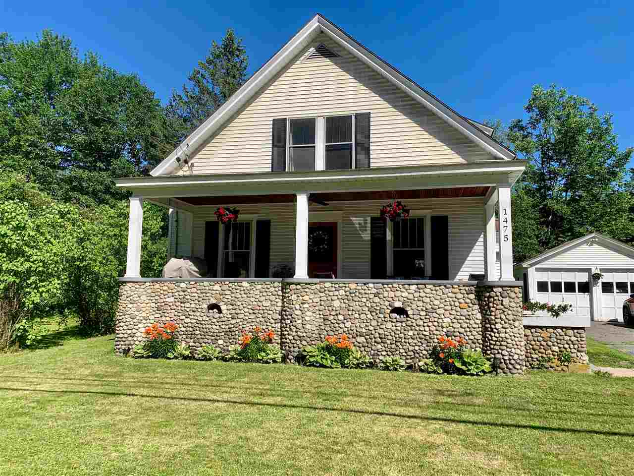 Hartford VT Home for sale $239,000