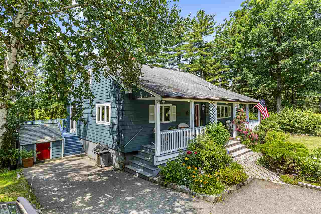 Photo of 10 Indian Hill Road Sandown NH 03873