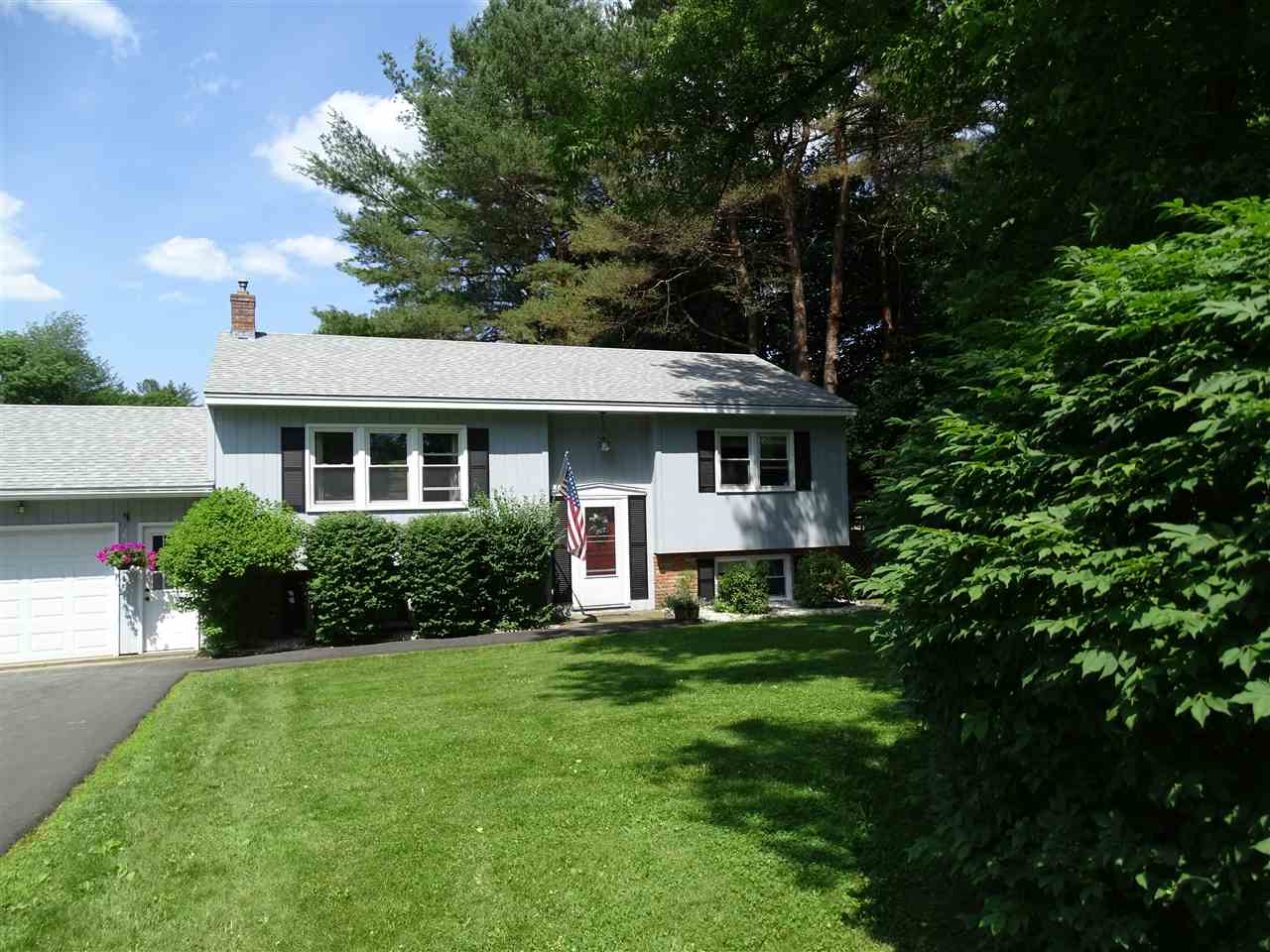 Hartford VT Home for sale $235,000