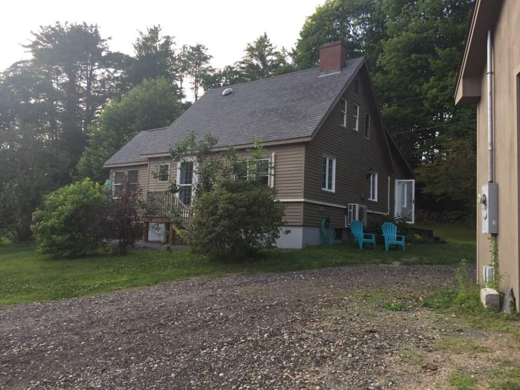 CENTER HARBOR NH Home for sale $295,000