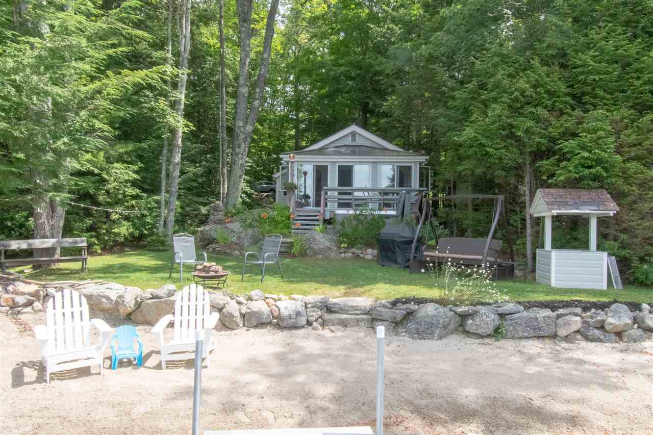 NEW LONDON NH Lake House for sale $$799,900 | $840 per sq.ft.