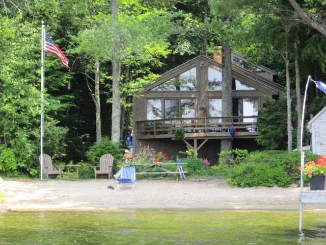 NEW LONDON NH Lake House for sale $$980,000 | $451 per sq.ft.