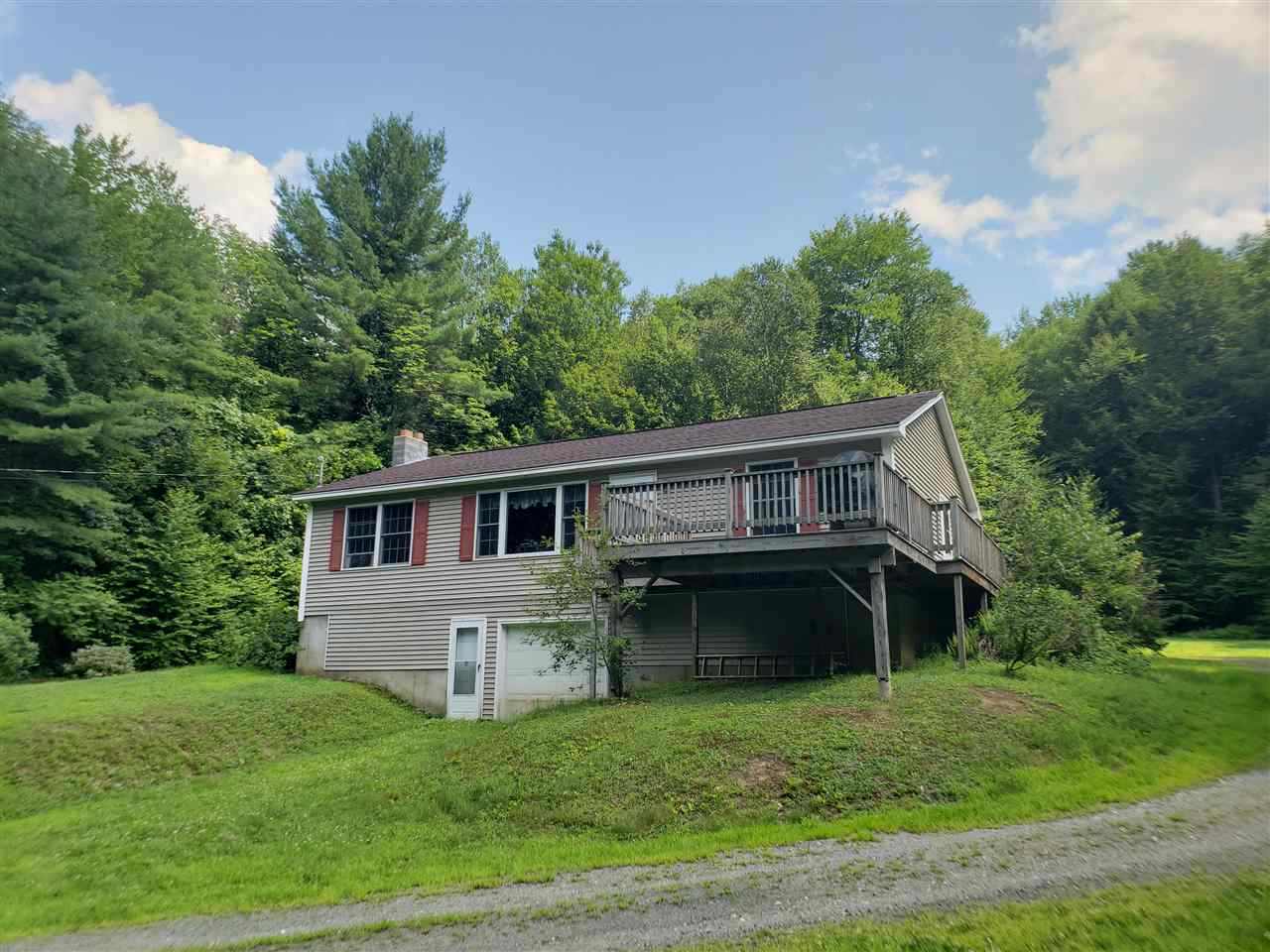 MLS 4767076: 2 Apple Hill Road, Chesterfield NH