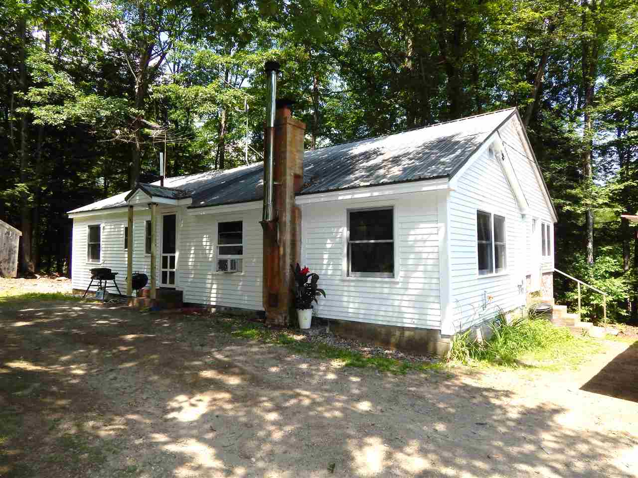SUTTON NH Home for sale $$189,900 | $152 per sq.ft.