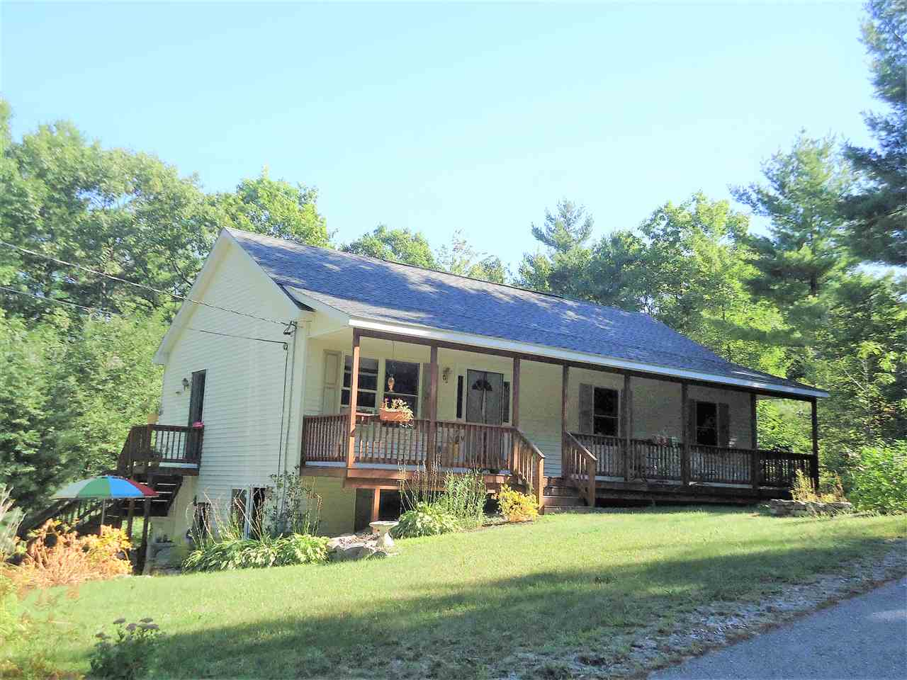 VILLAGE OF COPPLE CROWN IN TOWN OF NEW DURHAM NH  Home for sale $199,900