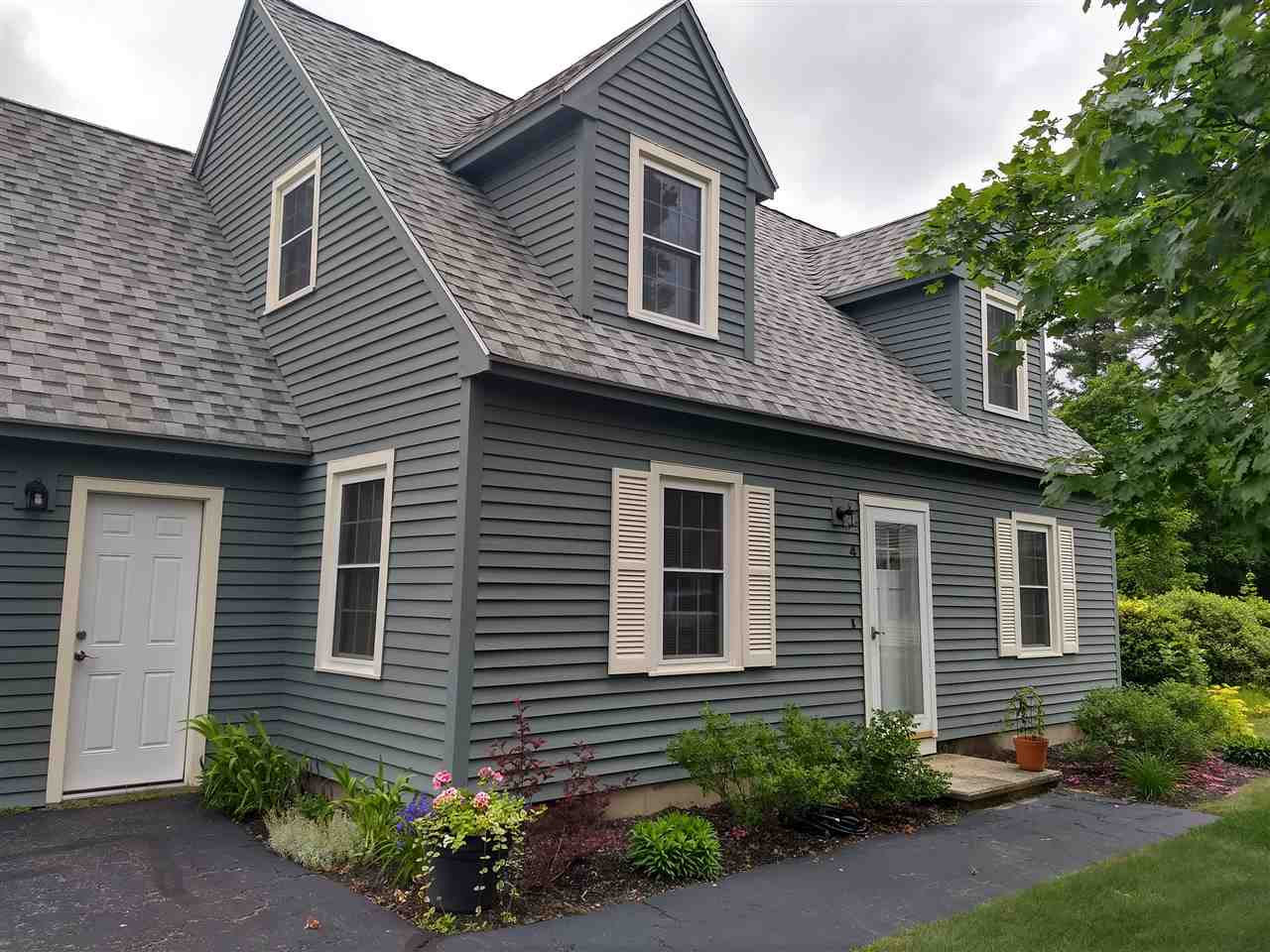 MLS 4768626: 4 Lavender Court Court, Merrimack NH
