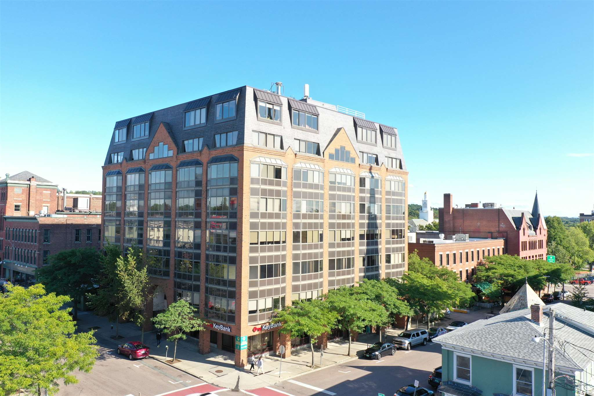 Corporate Plaza is  one of Burlington's most professional and well located office buildings.  This 4th floor office condominium unit consists of approximately 1,939 usable square feet. The condo unit is currently leased to AON Service Corporation with a lease expiration of 09/13/21.