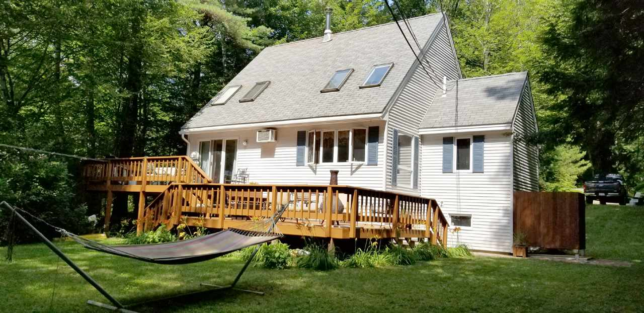 MLS 4769346: 52 Maple S Street, Bridgewater NH