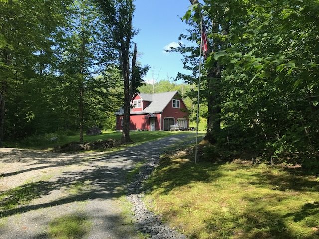 MLS 4769843: 9 Loop Drive, Rumney NH