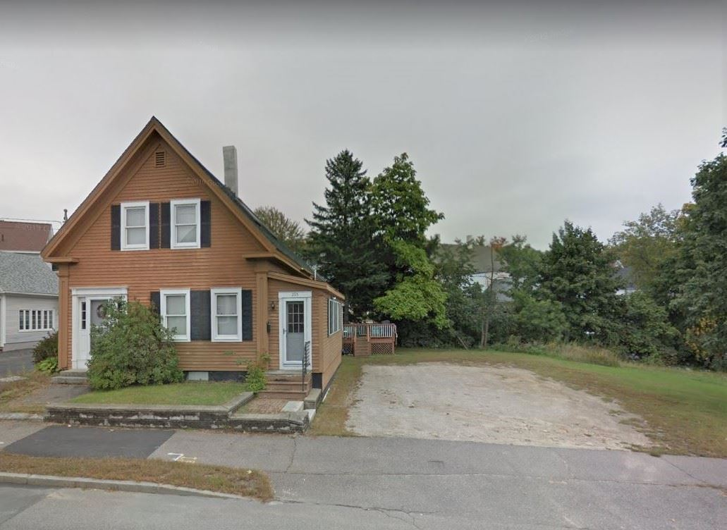 Laconia NHHome for sale $$187,500 $105 per sq.ft.