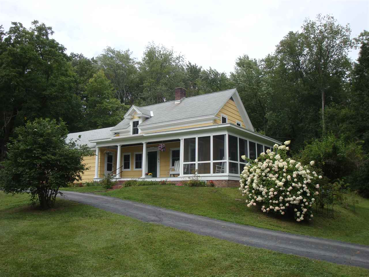 MLS 4773671: 82 River Road, Hinsdale NH