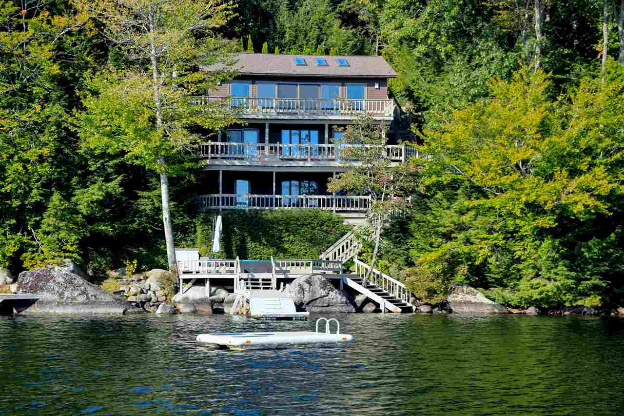 SUNAPEE NH Lake House for sale $$1,495,000 | $649 per sq.ft.