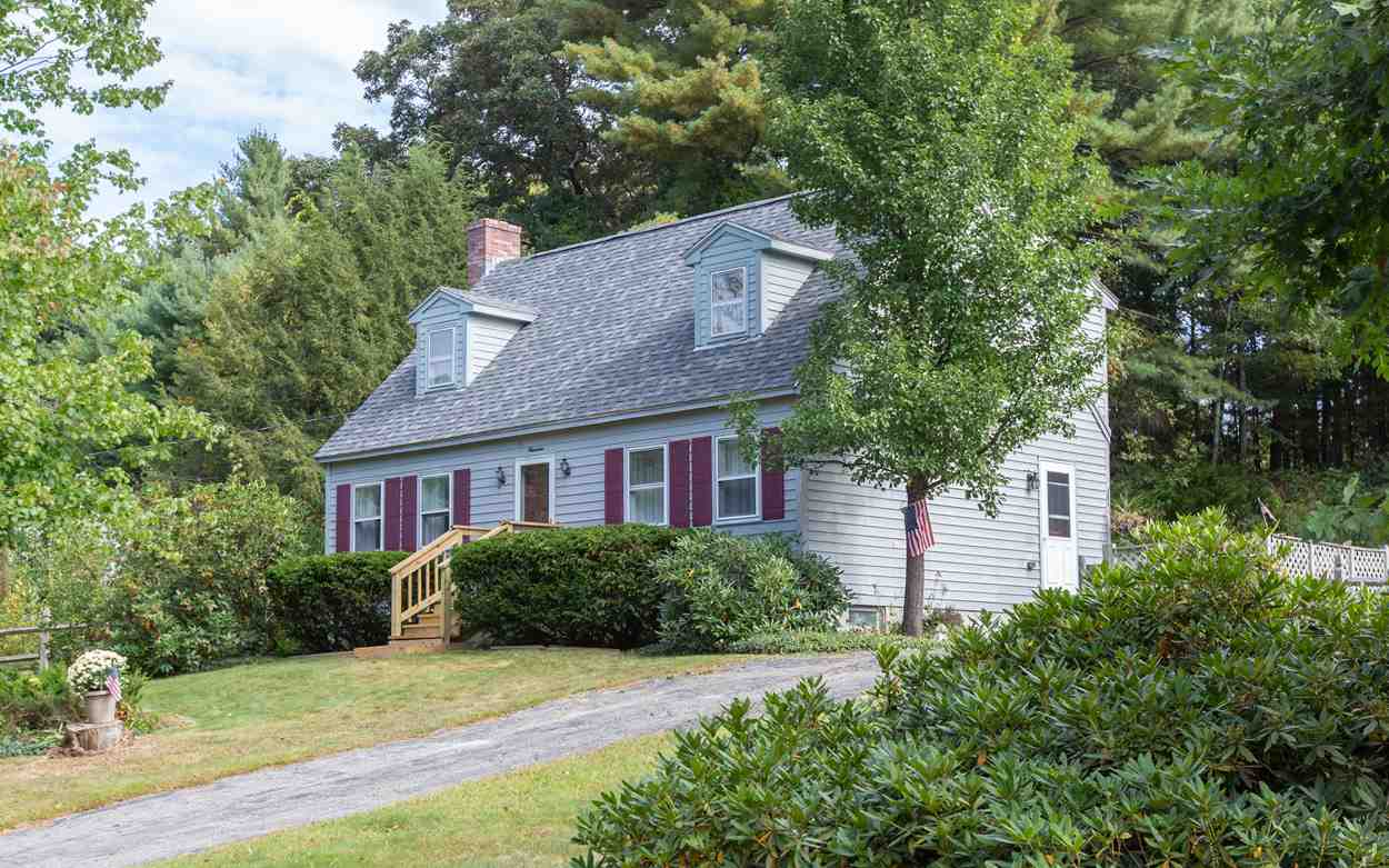 Photo of 19 Pioneer Drive Nashua NH 03062