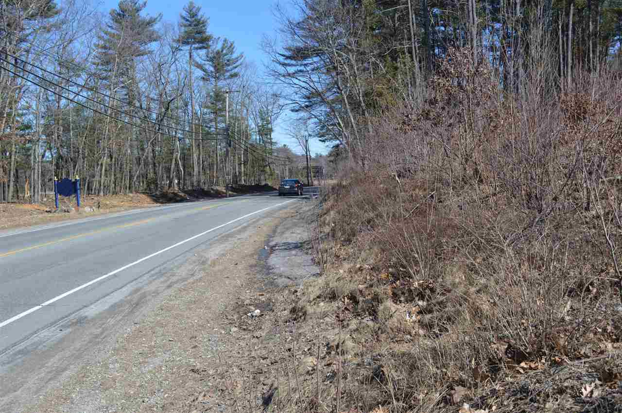 MLS 4775764: 61 Rockingham Road, Londonderry NH