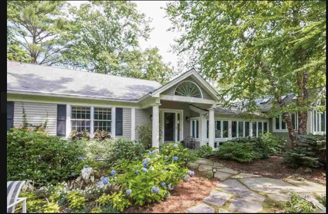 TUFTONBORO NH  Home for sale $584,999