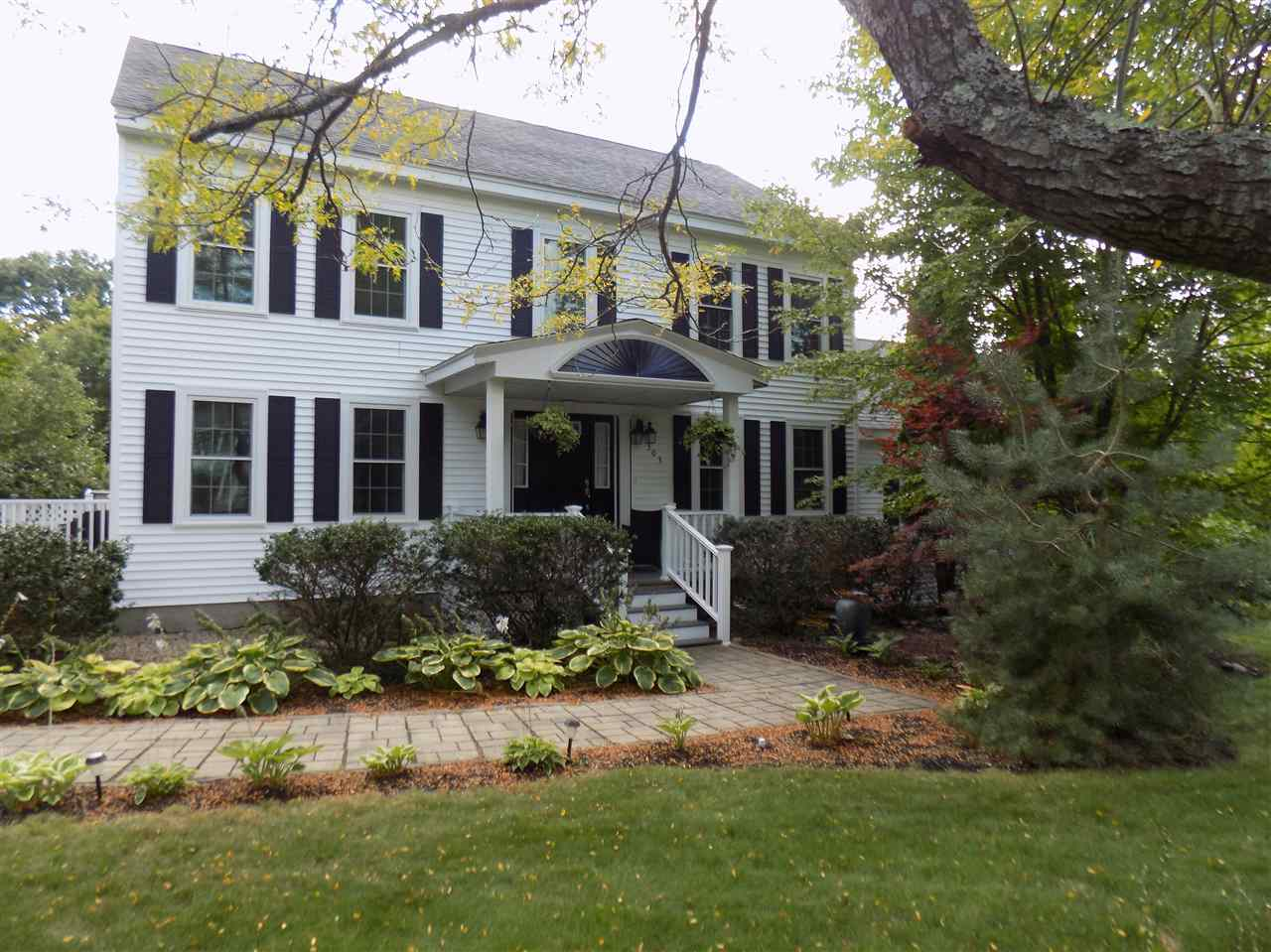 Photo of 303 Meadow Fox Lane Chester NH 03036
