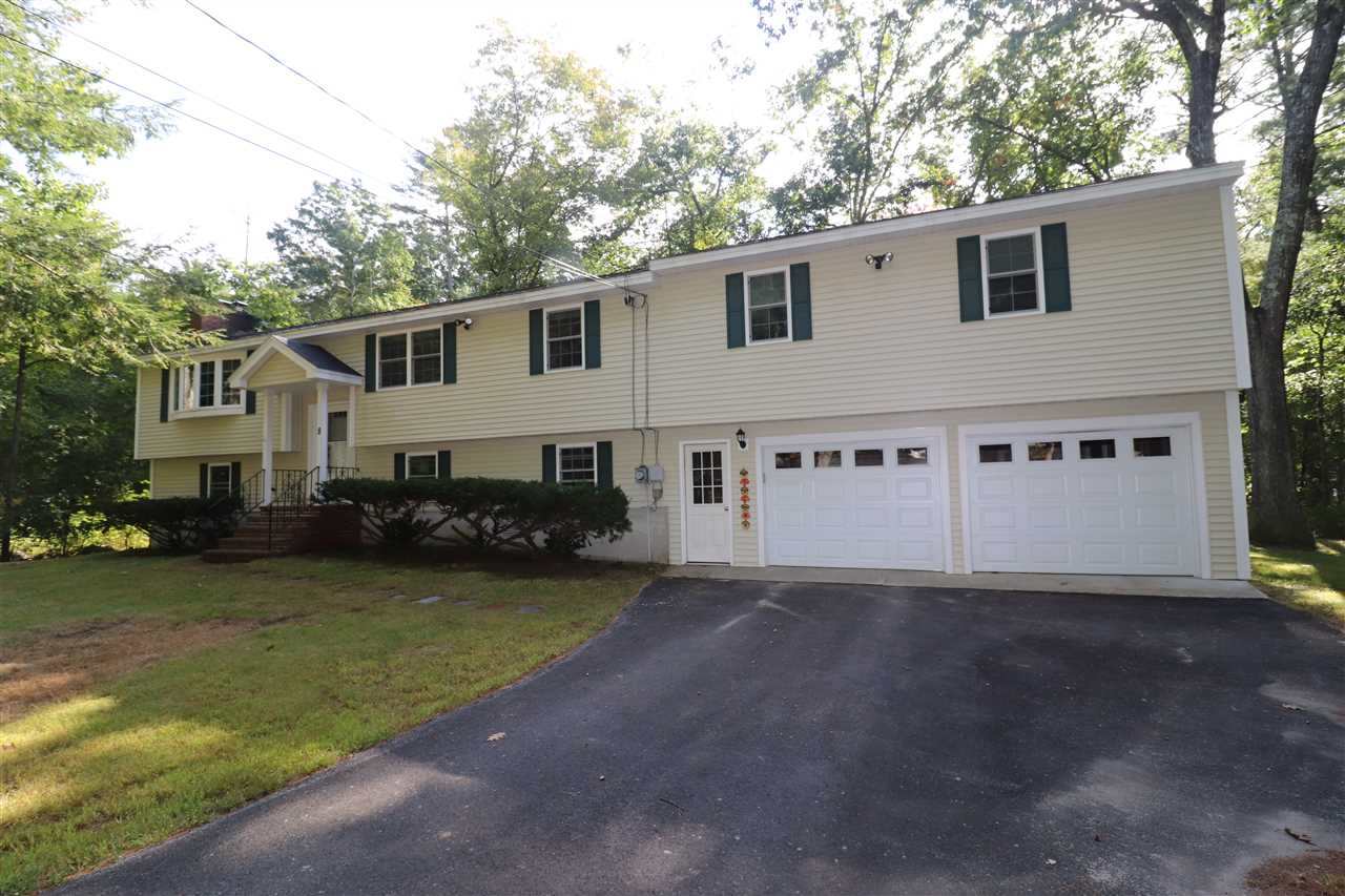 Photo of 8 Pleasant Drive Londonderry NH 03053