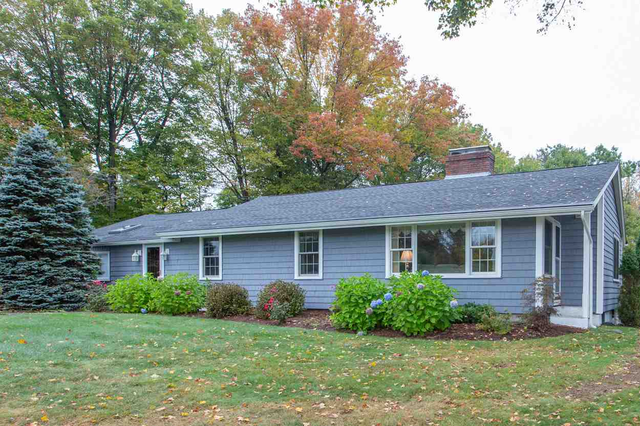 Photo of 37 Ridge Road Deerfield NH 03037