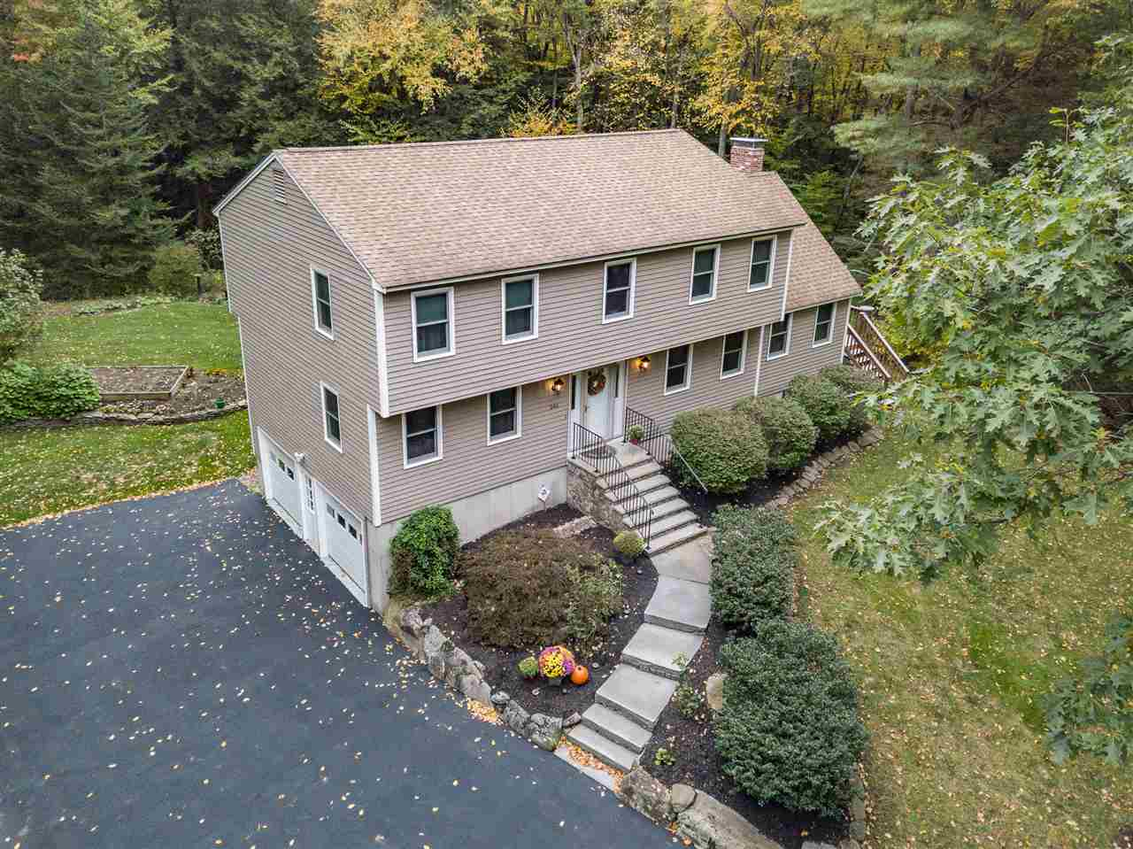 Photo of 246 Lane Road Chester NH 03036