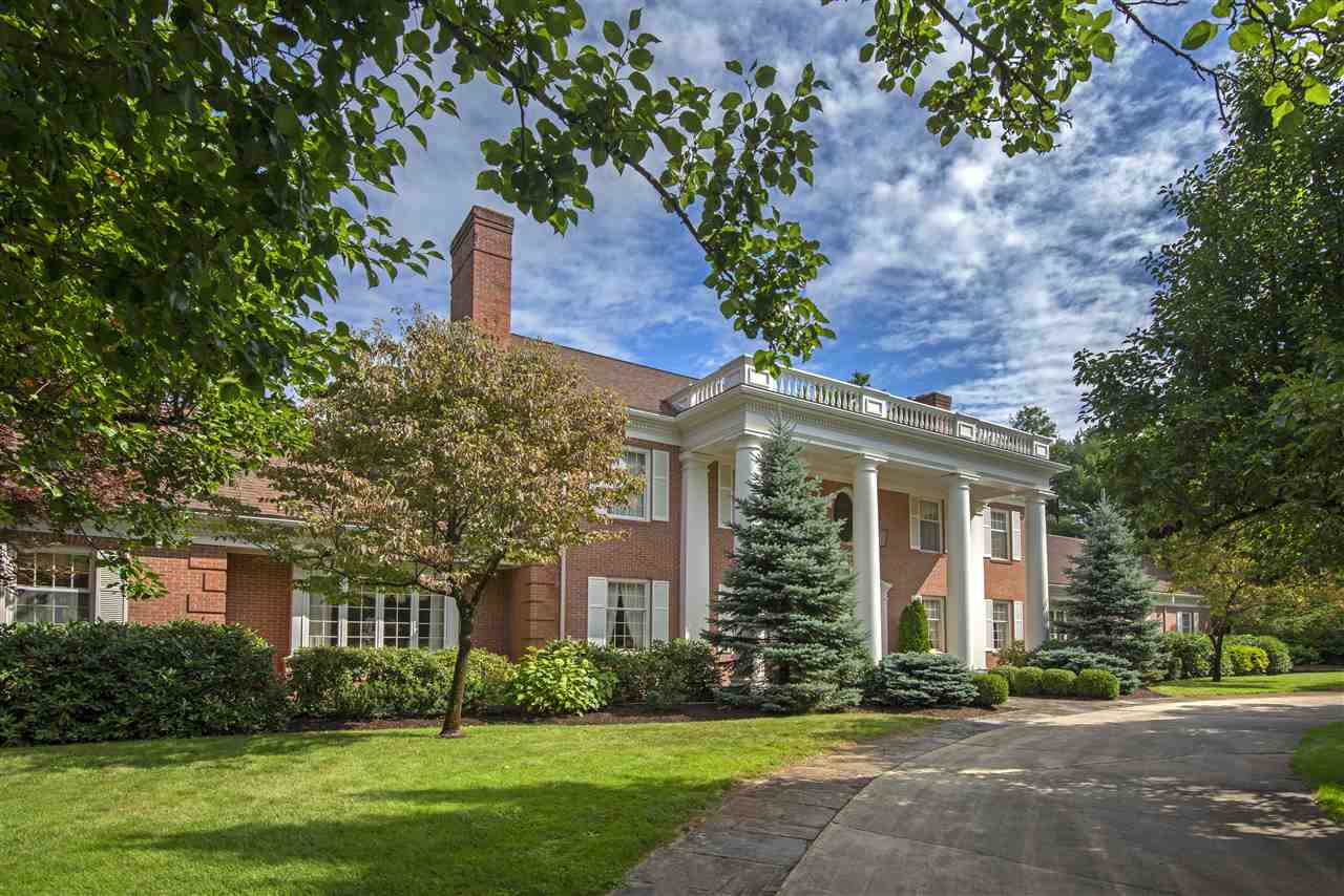 19 Riddle Drive, Bedford, NH 03110