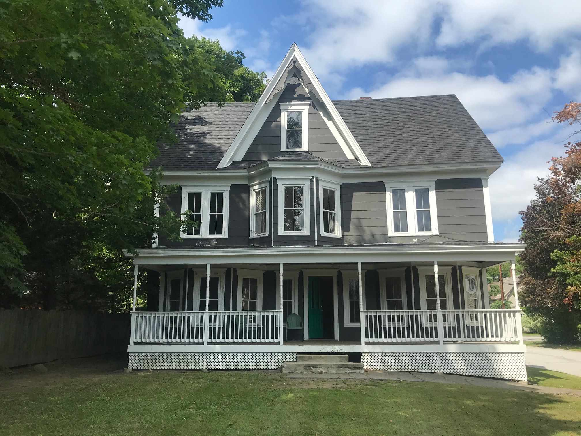 MLS 4783716: 7 Crawford Street, Plymouth NH