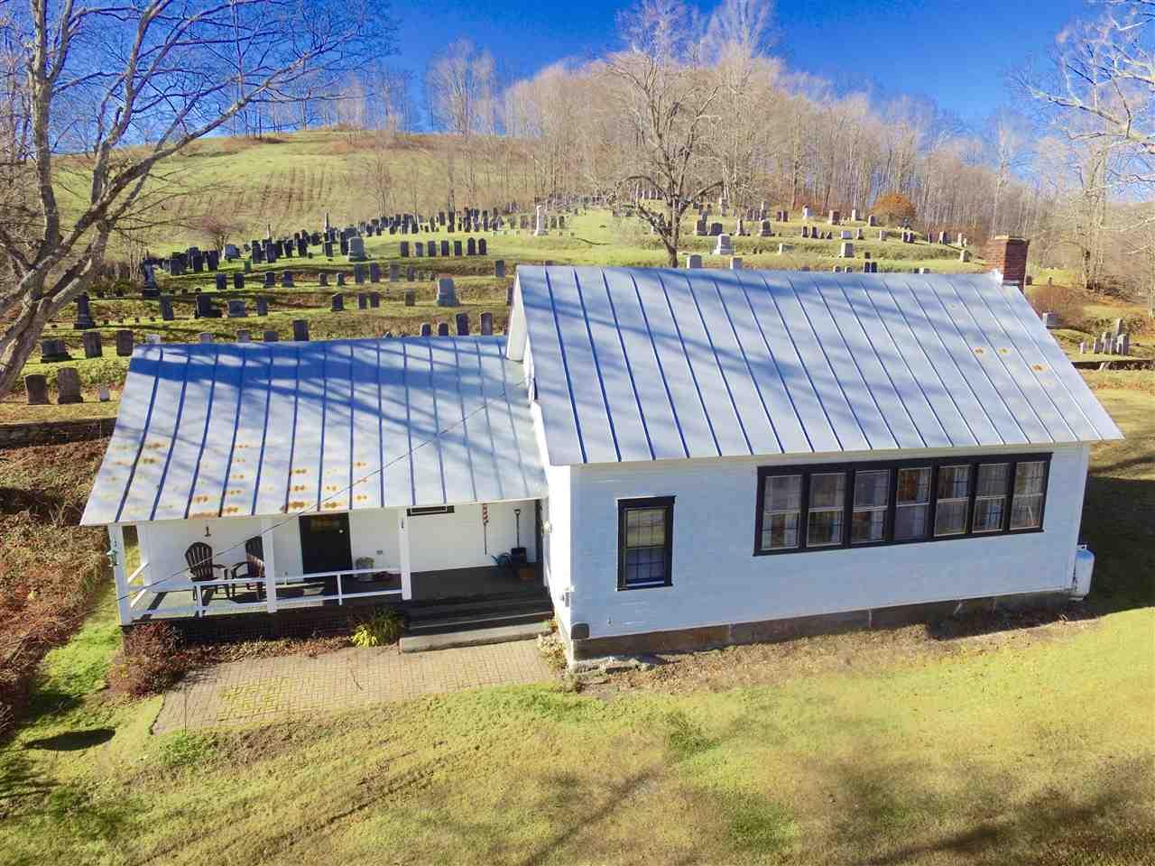 Pomfret VT Home for sale $229,500