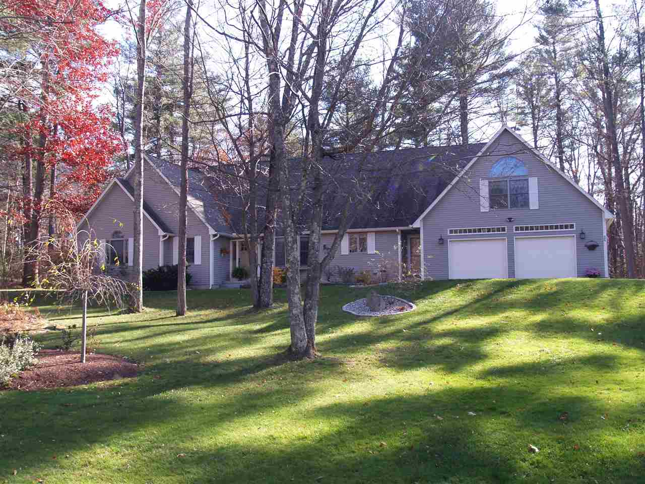 Photo of 26 Oakmont Drive Concord NH 03301