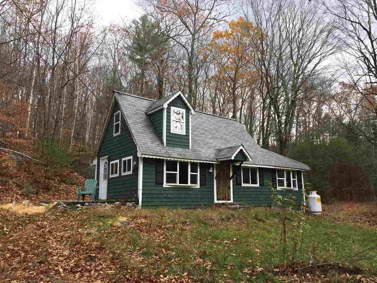 BRADFORD NH Home for sale $$137,000 | $157 per sq.ft.