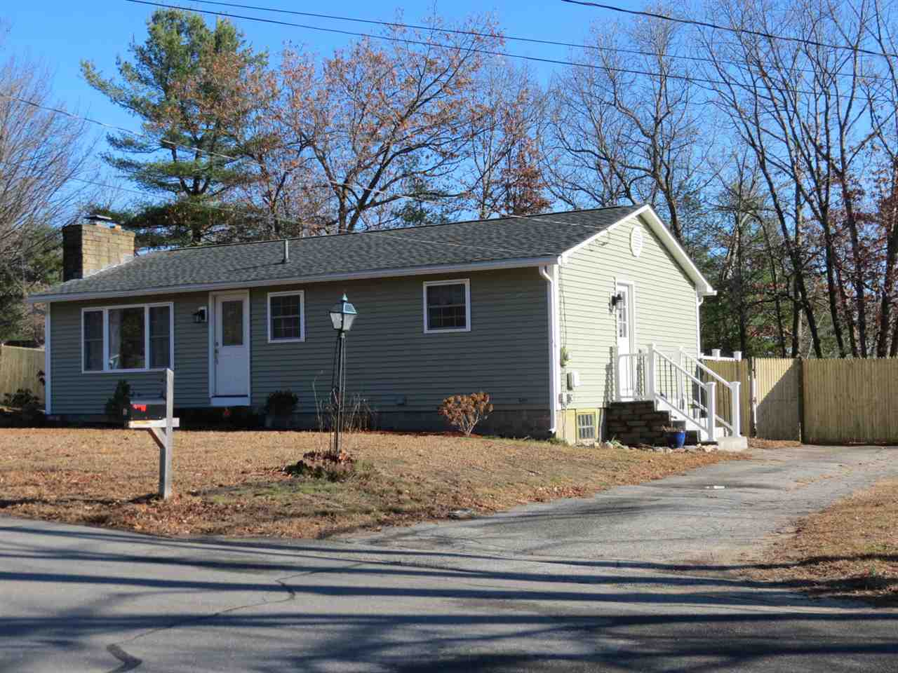 MLS 4786076: 6 Oak Street, Merrimack NH