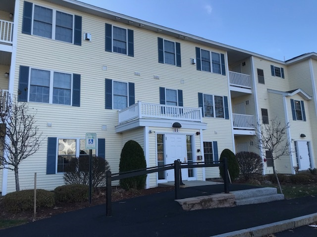MLS 4786363: 14 Crestview Circle-Unit 150, Londonderry NH