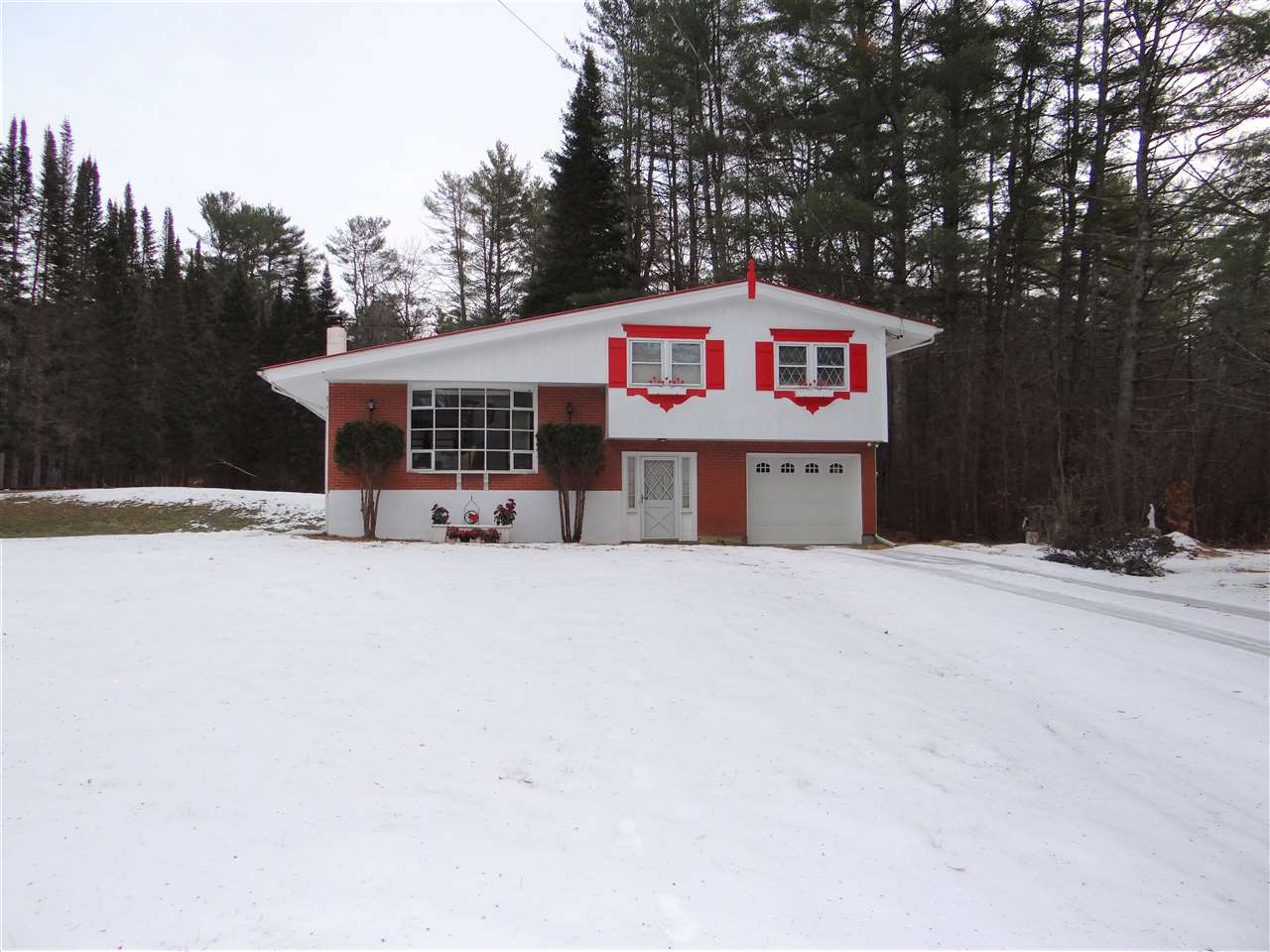LEBANON NH Home for sale $$250,000 | $220 per sq.ft.