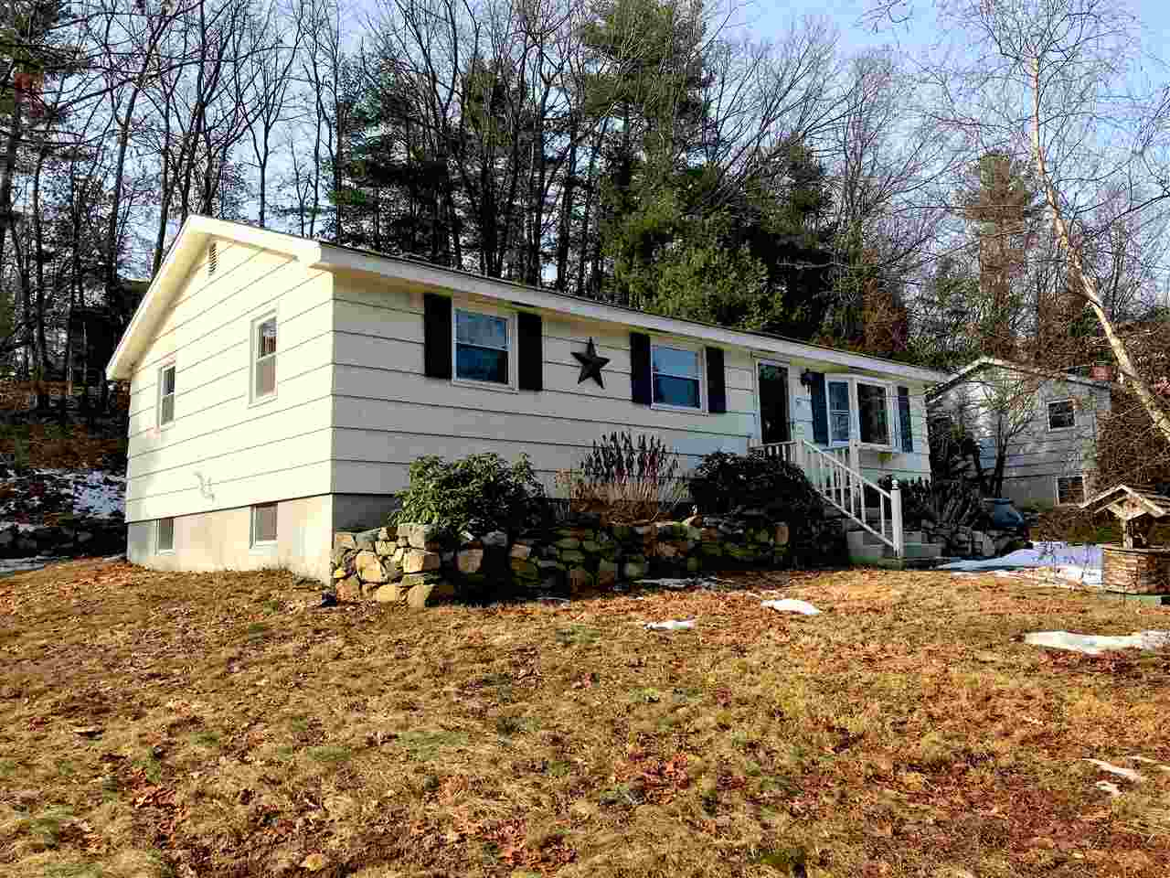 MLS 4787180: 93 Conant Road, Nashua NH