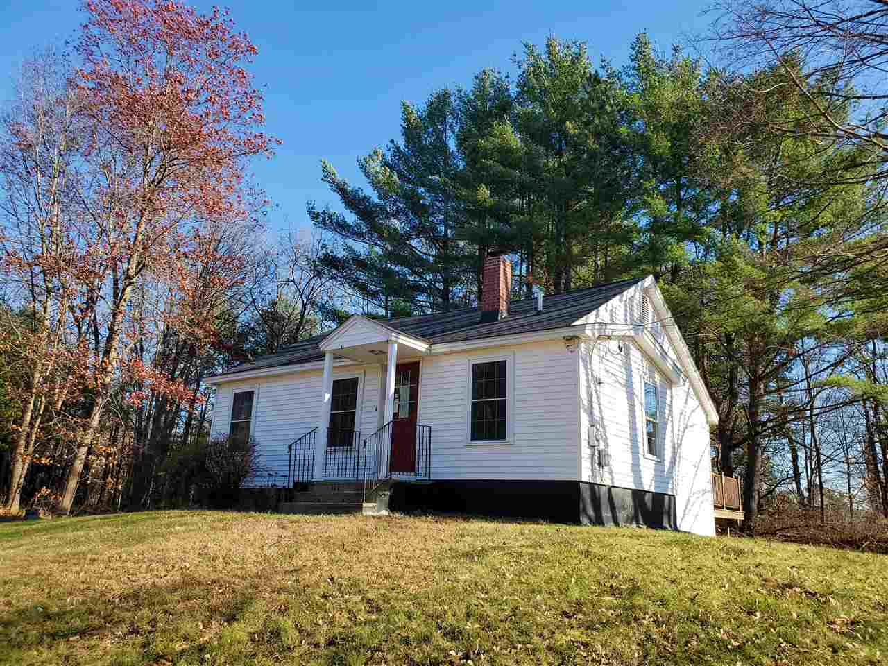 MLS 4787324: 526A Mammoth Road, Londonderry NH