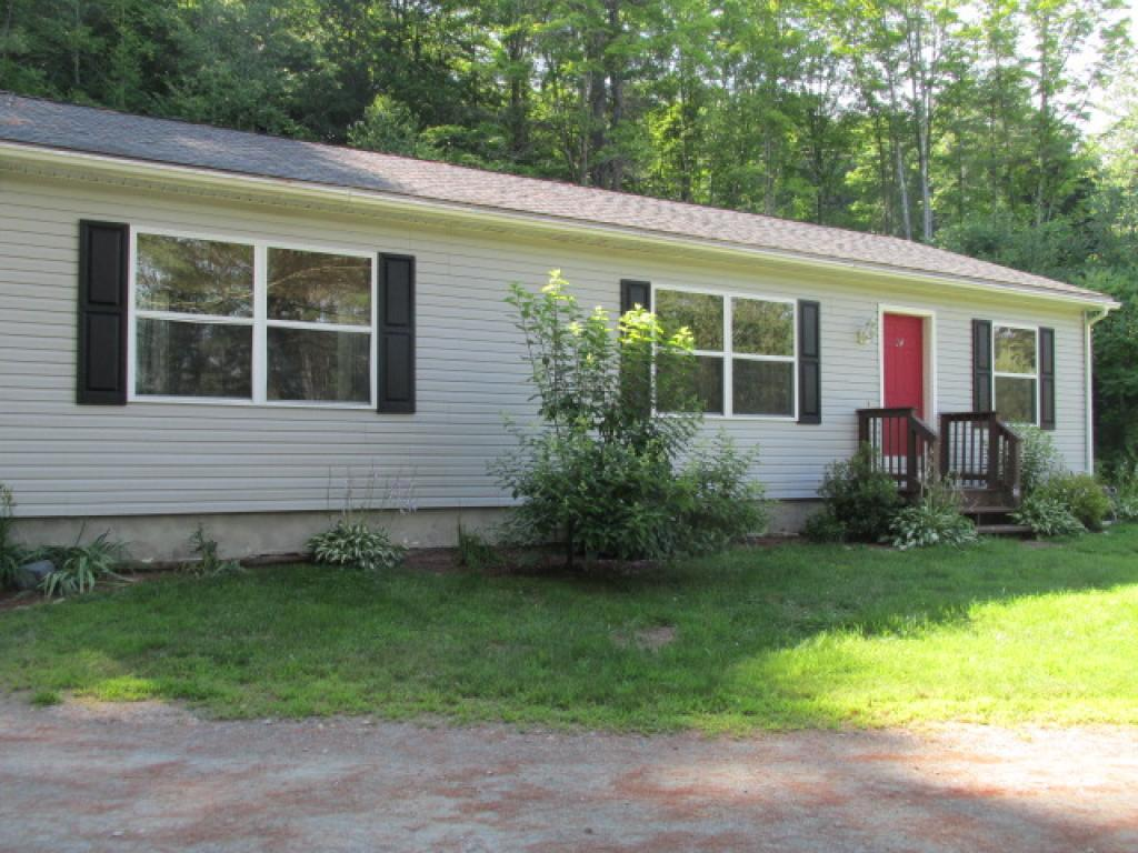 VILLAGE OF PERKINSVILLE IN TOWN OF WEATHERSFIELD VT Homes for sale