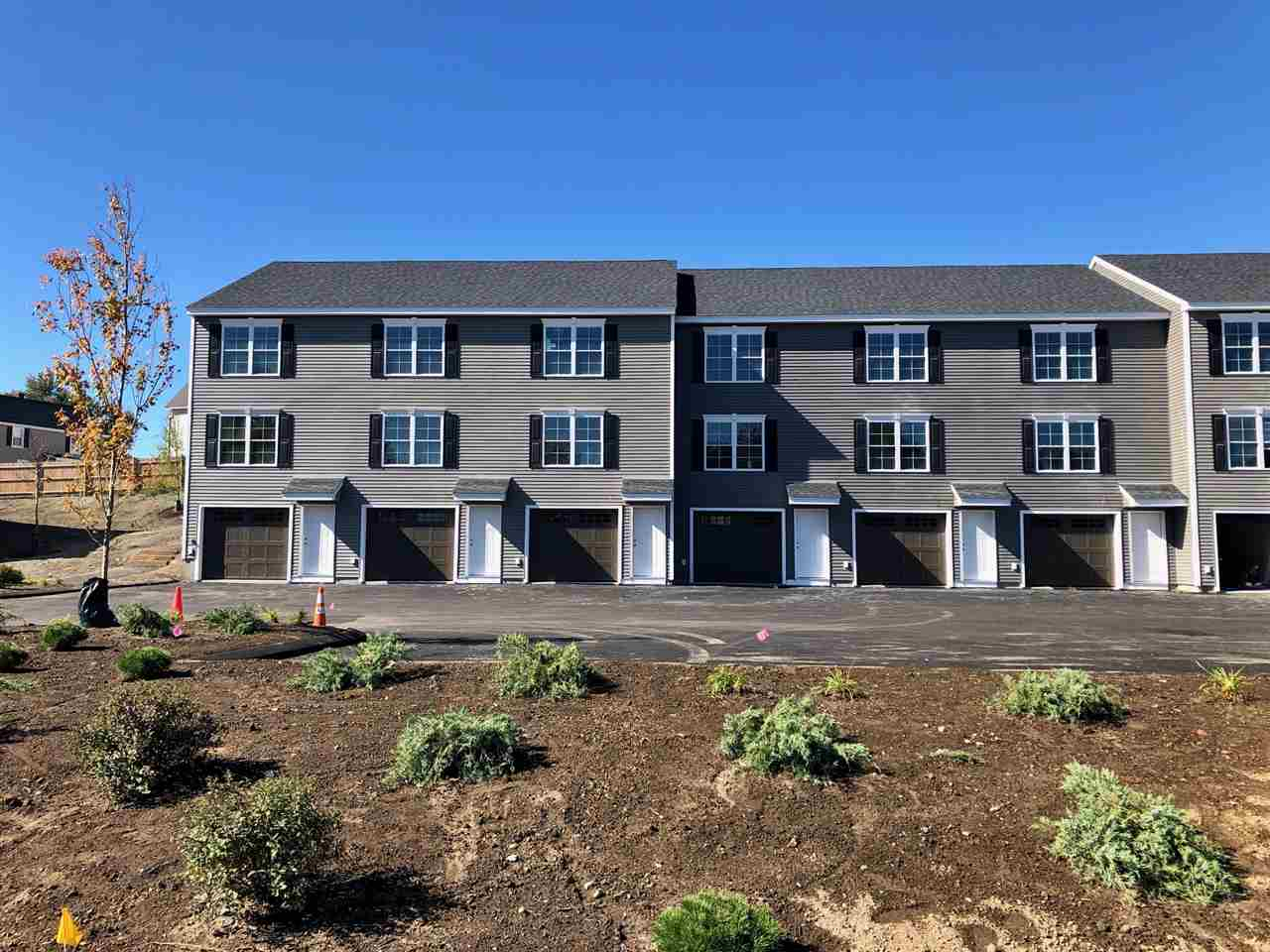 MLS 4787981: 3 Nutfield Court-Unit 8, Derry NH
