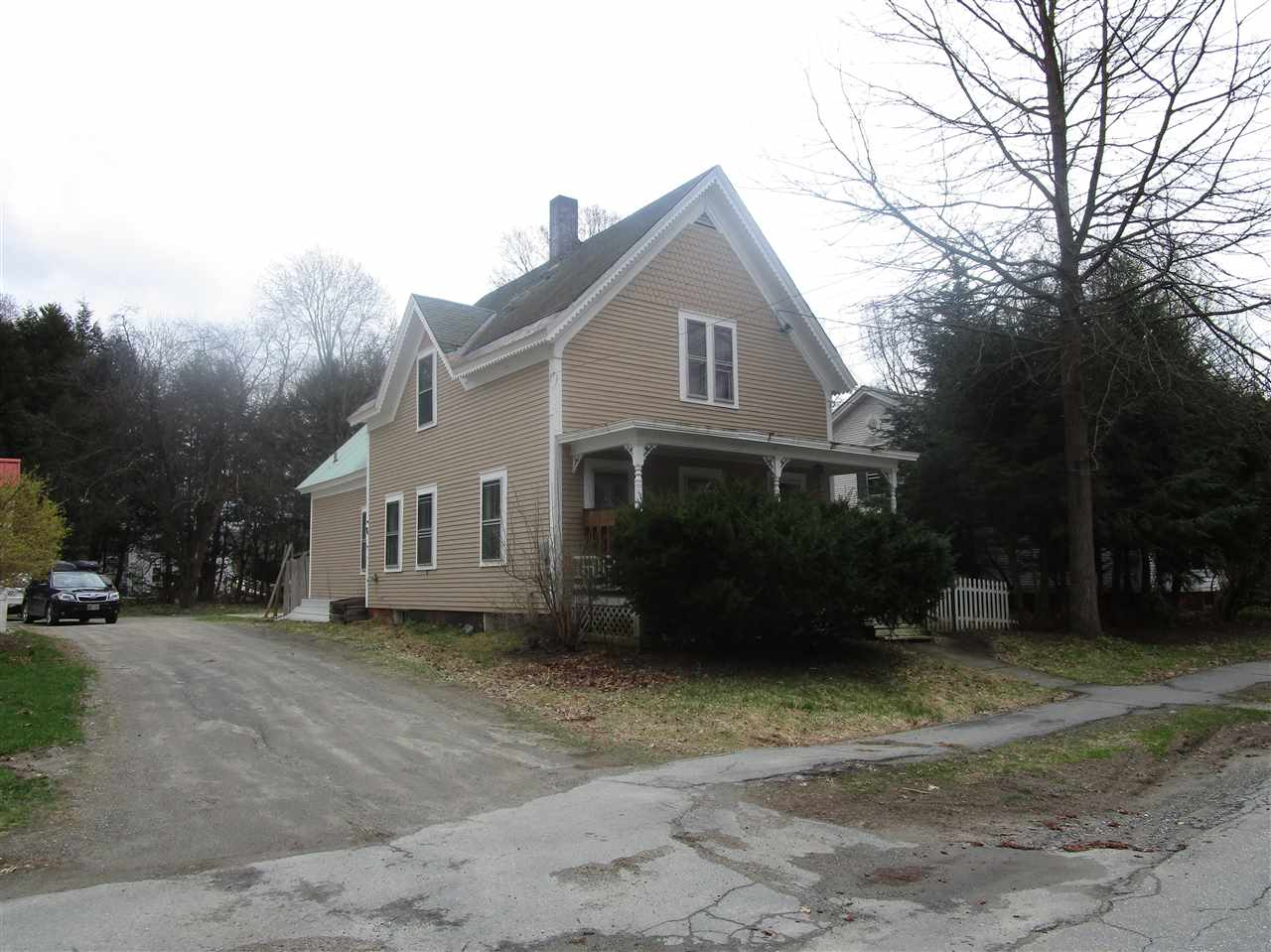 VILLAGE OF SAXTONS RIVER IN TOWN OF ROCKINGHAM VT Homes for sale