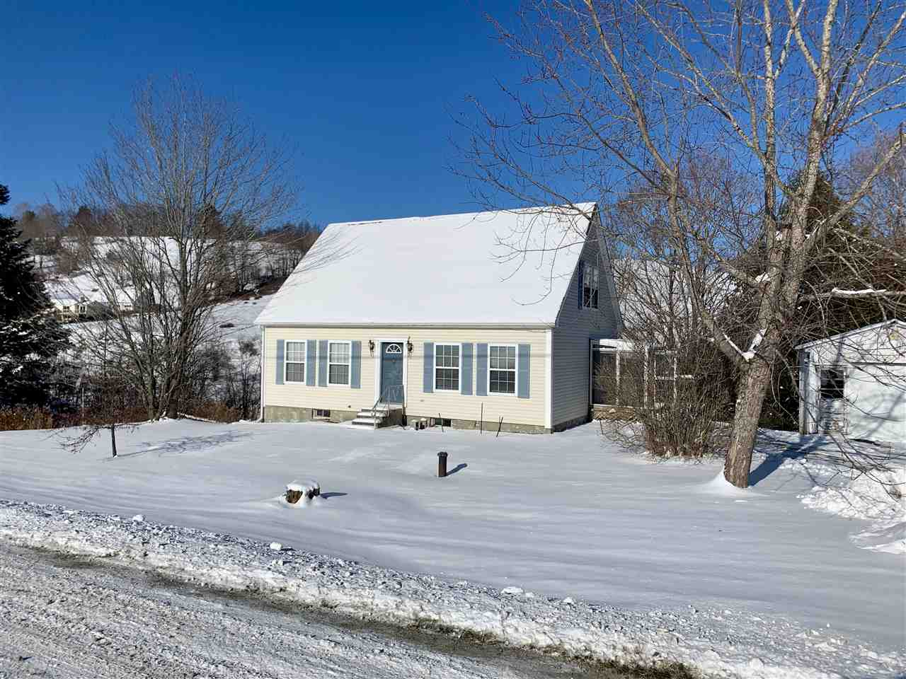 Pomfret VT Home for sale $List Price is $265,000