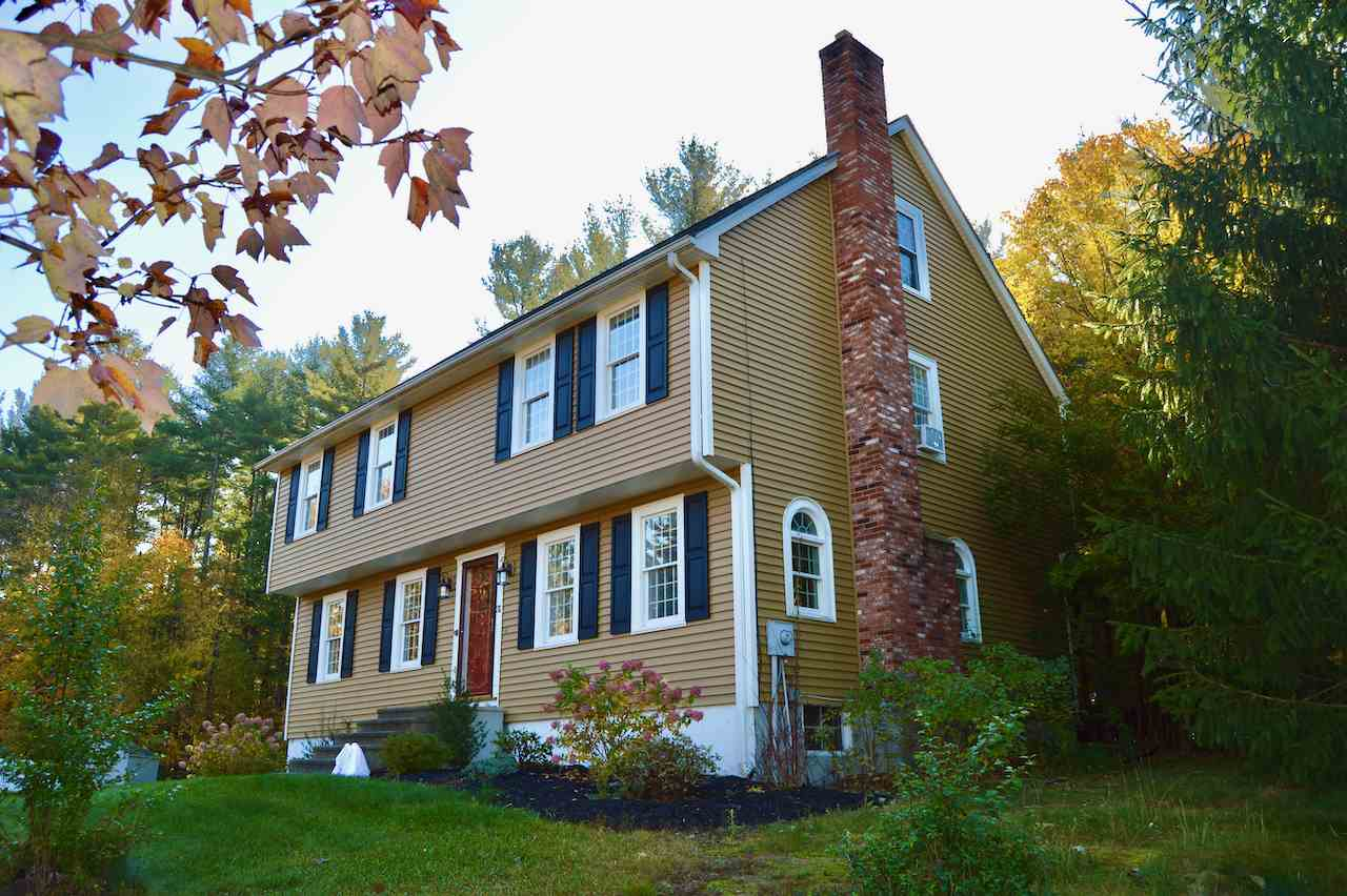 MLS 4788988: 31 Rolling Ridge Road, Londonderry NH