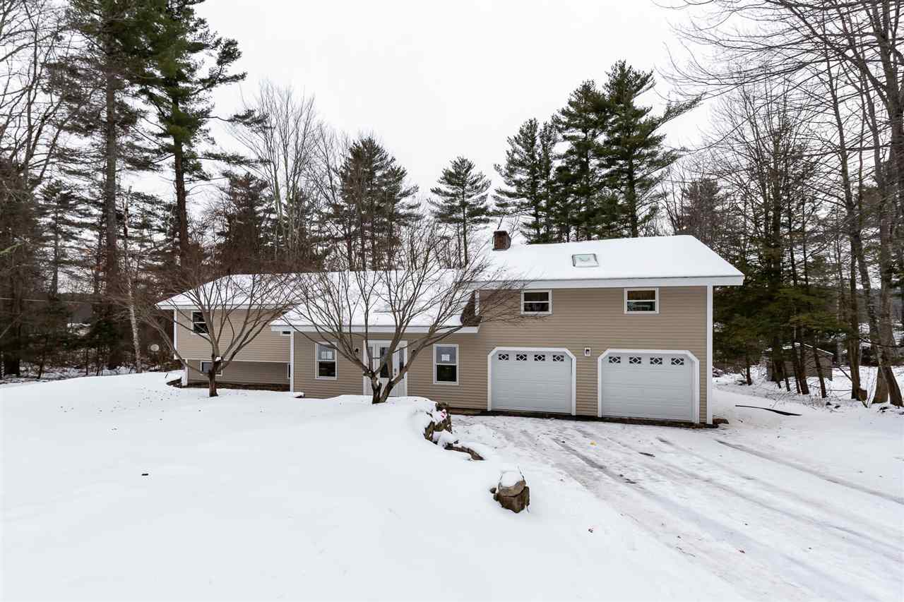 MLS 4789258: 4 Surrey Lane, Merrimack NH