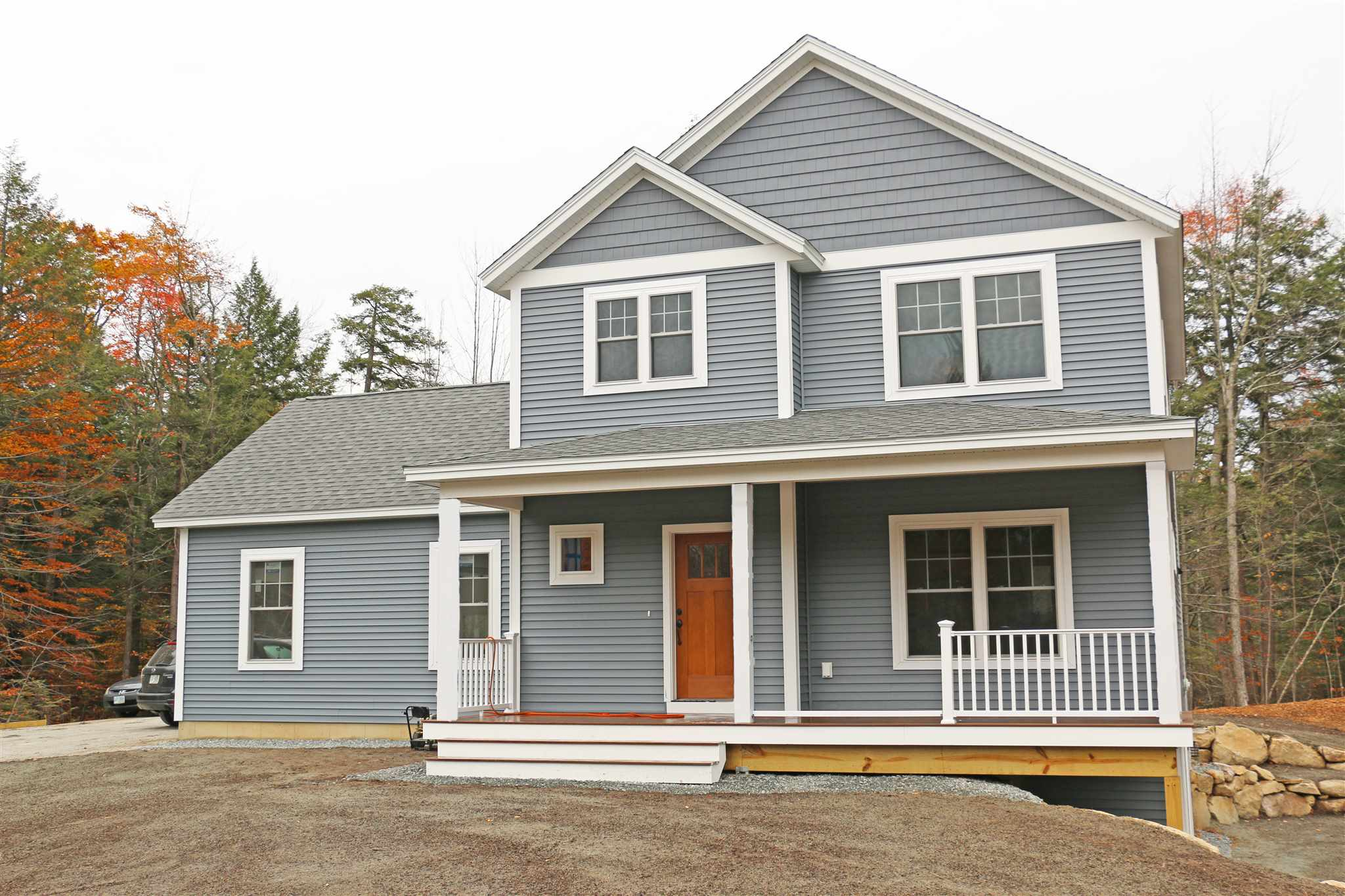 MLS 4789601: 3 Dutton Circle, Mont Vernon NH