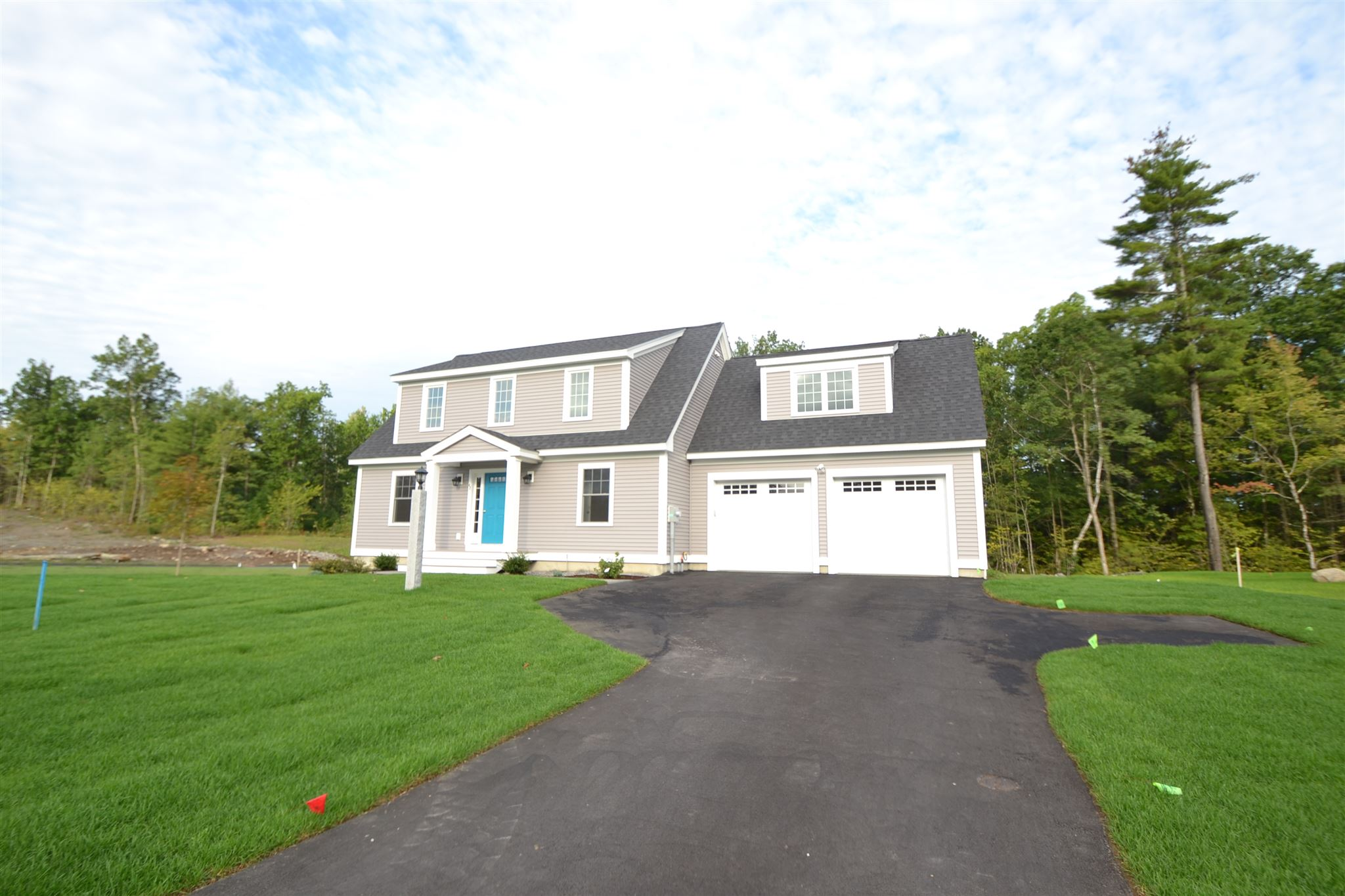 Photo of 42 Clover Lane Londonderry NH 03053